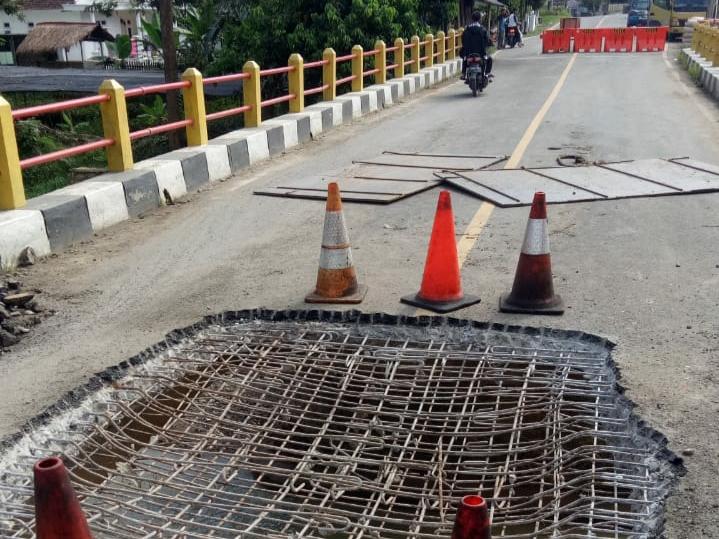 Jembatan Penghubung Jebol, Akses Jalan Ditutup Sementara